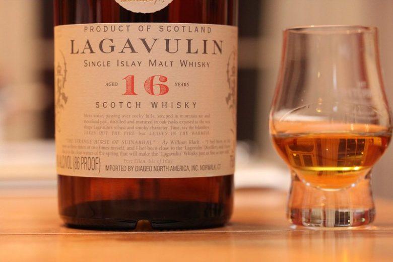 ラガヴーリン 飲み方 ストレート