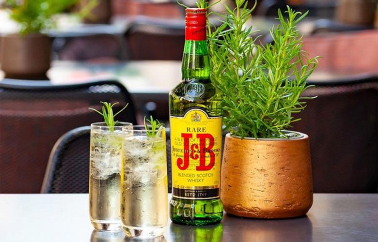 J&B レア ウイスキー