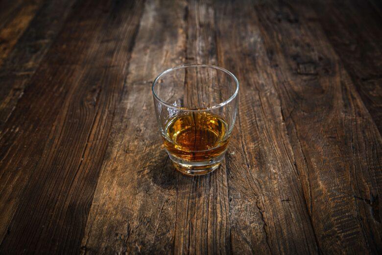 ウイスキー ストレート